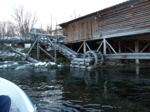 Nærmeste nabo er oppgangssaga i Aursfjord